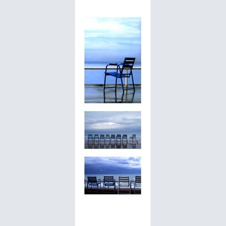 Blue Chair tri 02 V